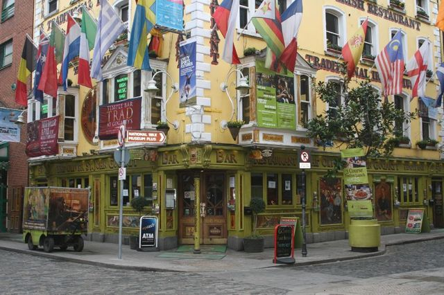 One year of full time travel - Dublin Ireland Temple Bar