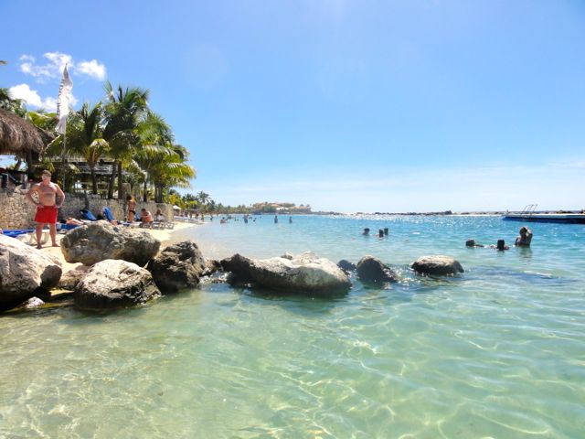 One year of full time travel - Curacao Island Beach