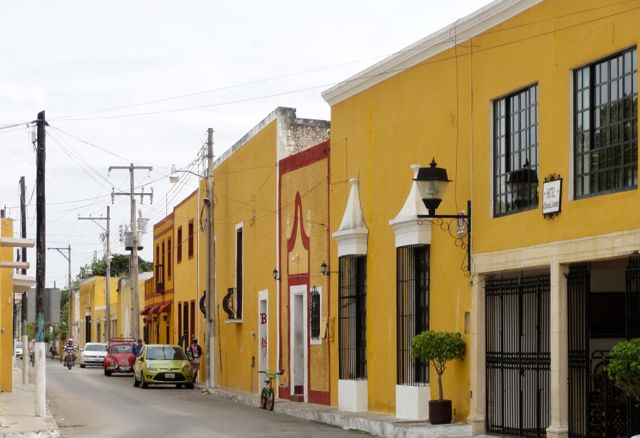 Izamal Mixico Colorful Town Buildings
