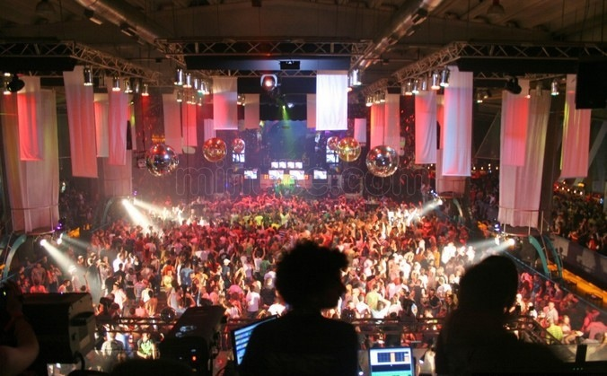 Berlin berghain-club-panorama-bar-berlin
