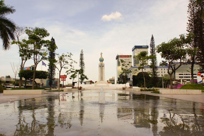 Central America is safe to travel to! - El Salvador del Mundo, San Salvador, El Salvador