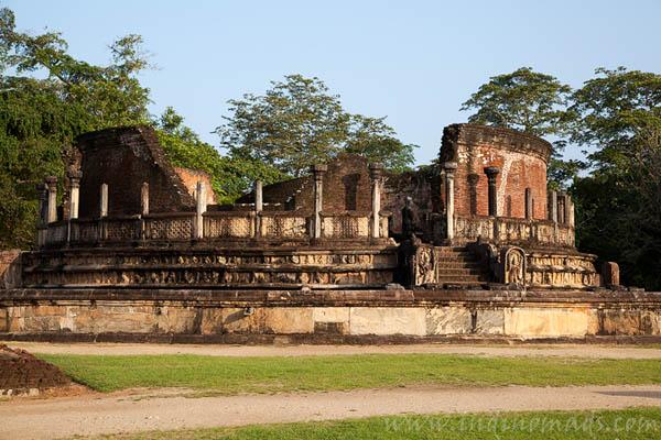 Explore Sri Lanka - Polonuruwa