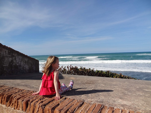 Carpe Travel - child at beach