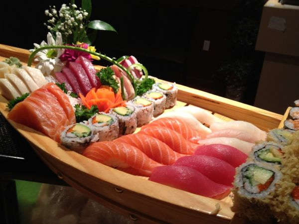 Eating in Toronto - Top 10 Food Places in Toronto - Tone Sushi