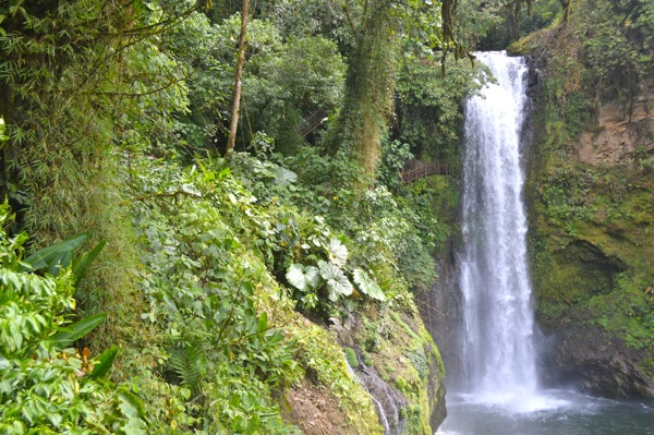 500 days of travel - Costa Rica Waterfall