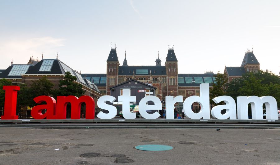 I Amsterdam City Card Suitcase Stories