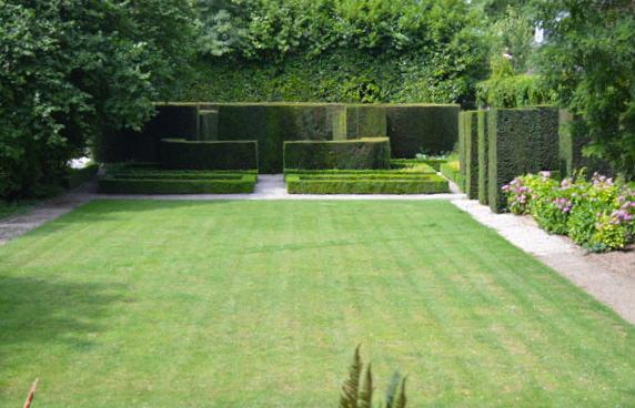 Van-Buuren-Museum-Lawn
