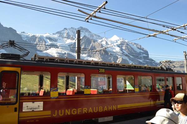 Breathtaking Views of Switzerland from Jungfraujoch (The Top of Europe) - Train