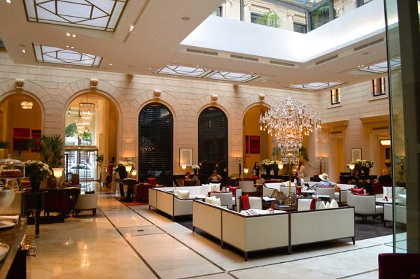 Luxury at its best with Kempinski Vienna - Lobby