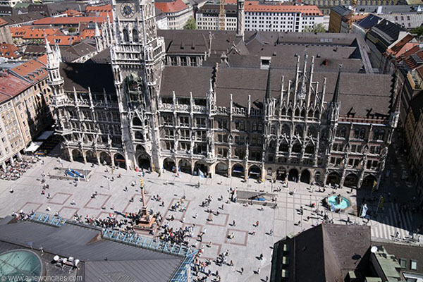 What to do in Munich Germany - Marienplatz