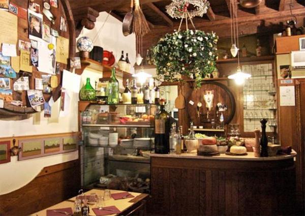 Foodies Feast in Florence - Vini e Vecchi Sapori - photo source - walkaboutflorencecom