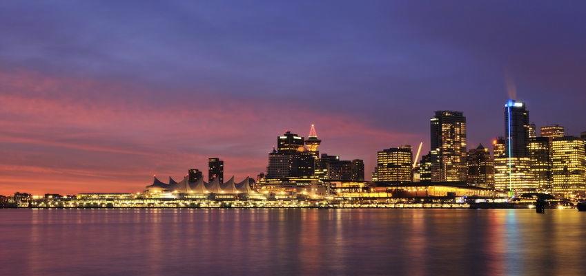 VANCOUVER NIGHT CITYSCAPE