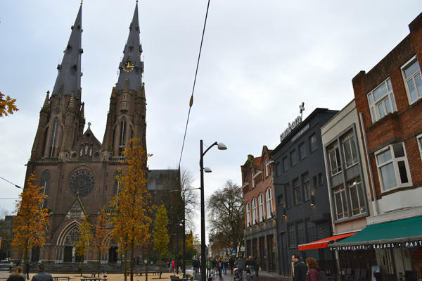 Top Things to do in Eindhoven Netherlands - Market Square