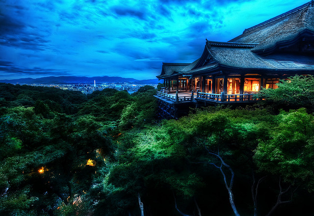 A Self Guided Walking Tour of Kyoto - South - Kiyomizu-dera Temple - source - stuckincustoms