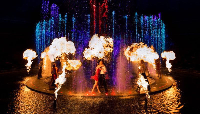 A colorful aquatic wonderland in Le Reve: The Dream
