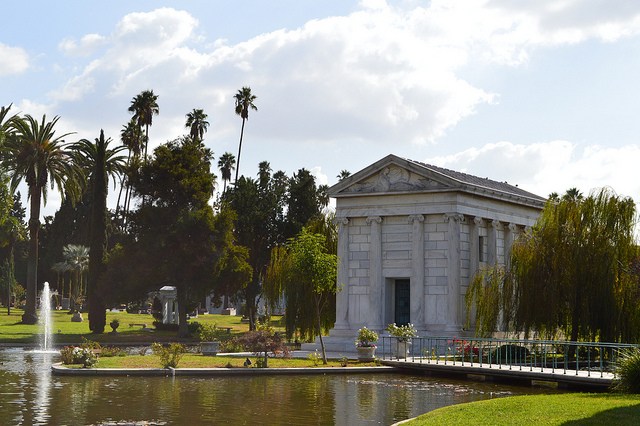 Lose Yourself in Los Angeles – and Love Every Minute - Hollywood Forever Cemeter