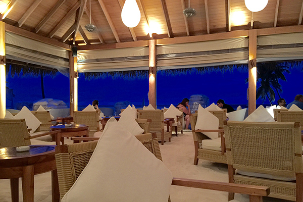 Maafushivaru – A Unique Maldives Paradise - bar