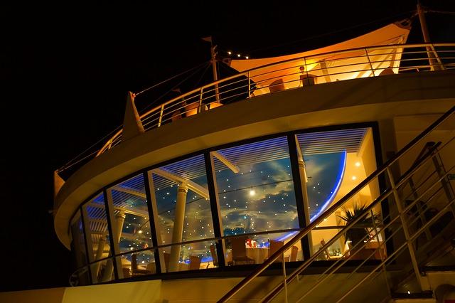 cruise-778537_640