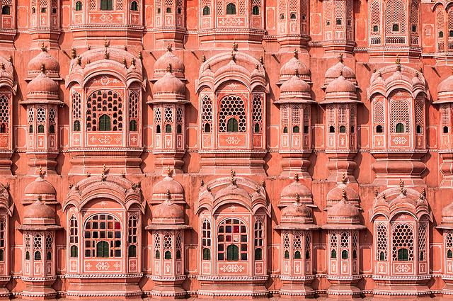 Top 5 Smart Tips to Explore Jaipur on a Shoestring Budget